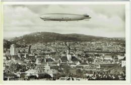 Carte Photo. Stuttgart. Dirigeable Graf Zeppelin. - Dirigeables