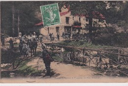 MILITARIA (54) AU BOIS LE PRETRE (Groupe De Militaires Se Rendant à La) Maison Forestière Et Fontaine Du Père Hilarion - Francia