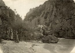 NATIVE ACTORS WAITING FOR TOURISTS COCHIN CHINA INDO CHINE ASIA  17*12 CM Fonds Victor FORBIN 1864-1947 - Fotos