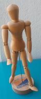 Mannequin Articulé En Bois Pour Le Dessin, Publicité Des Laboratoires PHARMASCIENCE - Loisirs Créatifs