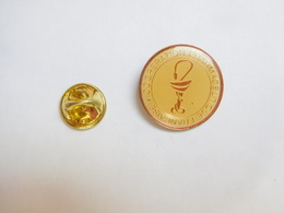 Beau Pin's , Médical , Coopération Pharmaceutique Française , Pharmacie , Caducée - Medical