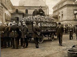 ERNST KUPFER AND CO BERLIN WEST WHERE STRIKE BEGINS  21*17 CM Fonds Victor FORBIN 1864-1947 - Lugares