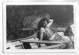 2 PHOTOS - JOLIE FEMME EN MAILLOT DE BAIN DES ANNEES 40 - 1 ECRITE AU VERSO SAINT MAMMES JUILLET 45 - Luoghi