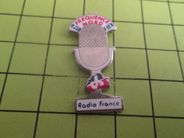 613b Pin's Pins / Beau Et Rare : THEME MEDIAS / Grand Pin's Pour Toi Gori ! MICRO RETRO RADIO FRANCE FREQUENCE NORD - Médias