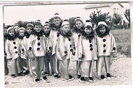 A IDENTIFIER CARTE PHOTO   Enfants Pierrots Jean Pierre Larroque OU?  ID46 - Postcards