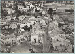 CPM:  VIVEROLS  (Dpt.63):  Vue Du Village,son église Et Sa Place. (photo Véritable) (E2169) - Altri Comuni