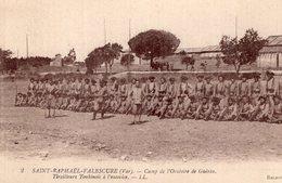 S2278 Cpa 83 Saint Raphaël Valescure - Camp De L'Oratoire De Guérin, Tirailleurs Tonkinois à L'exercice - Saint-Raphaël