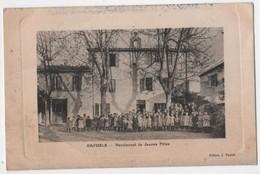 CPA Gaufrée 13 RAPHELE Ecole Pensionnat De Jeunes Filles - France