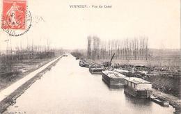 Péniches à Vinneuf (89 - Yonne) Vue Du Canal - Houseboats