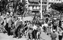 Putsch D'ALGER Ou Coup D'Etat Du 13 Mai 1958 - Montée De La Foule Au Forum - Algiers
