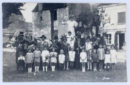 37 BEAULIEU-LÈS-LOCHES Ou FERRIÈRE-SUR-BEAULIEU - Carte Photo - Fête De Village, Char, Fanfare, Déguisements - Autres Communes