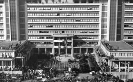 Putsch D'ALGER Ou Coup D'Etat Du 13 Mai 1958 - La Foule Au Forum - Algiers