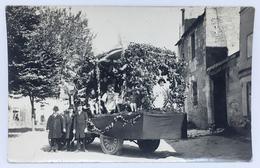 37 BEAULIEU-LÈS-LOCHES Ou FERRIÈRE-SUR-BEAULIEU - Carte Photo - Fête De Village, Char, Cavalcade, Déguisements - Autres Communes