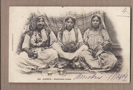 CPA ALGERIE - Musiciennes Arabes - TB PLAN TB PORTRAIT De 3 Femmes Assises - TB Verso 1904 - Algeria