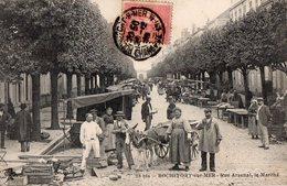 ROCHEFORT-sur-MER  - Rue Arsenal , Le Marché - - Rochefort