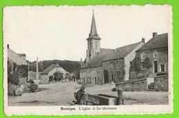 Resteigne - Eglise Et Les Alentours - Dame Au Bac Pompe - Circulé - Edit. Mme Martin, Resteigne Photo Dessart 529 - Tellin