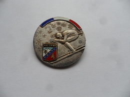 (Sports D'hiver, Ski, Savoie (73)... Insigne...type Broche) - VALLOIRE  (Médaille De Ski..??)......voir Scans - Sports D'hiver