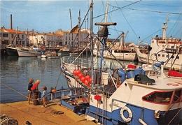¤¤   -   ILE D'YEU  -  Port Joinville  -  Bateaux De Pêche Dans Le Port   -  ¤¤ - Ile D'Yeu