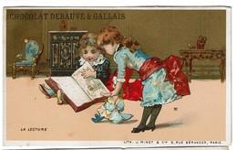 Carte Réclame / Chromo Chocolat Debauve Et Gallais - La Lecture - Lith. J. Minot & Cie. Fond Or - Doré - 2 Scans - Chocolat