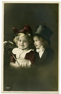 PRETTY GIRLS : DRESSED UP WITH TOP HAT AND BOW (HAND-COLOURED) - Ritratti