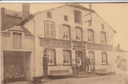 Virton , Hotel Du Cheval Blanc  , E. Bradfer - Lietard ; Pompe à Essence BP , Auto , Oldtimer - Virton