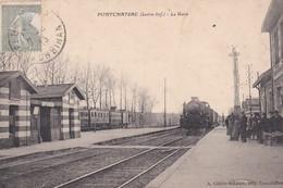 PONTCHATEAU (44) La Gare (Train Entrant En Gare ) - Stations - Met Treinen