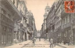 35 - Rennes - Les Rues De Rohan Et De L'Horloge, A Droite Le Beffroi De L'Hôtel De Ville - Rennes