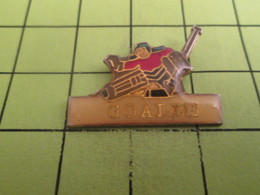 613d Pin's Pins / Beau Et Rare : THEME SPORTS / HOCKEY SUR GLACE GOAL - Sports D'hiver