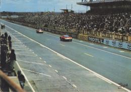 Sports - Sport Automobile - Course Le Mans Circuit Des 24 Heures - Passage Devant Les Tribunes - Le Mans