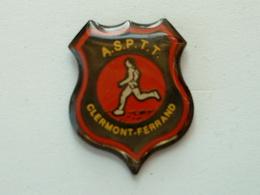 Pin's LA POSTE   - ASPTT CLERMONT FERRAND - Post