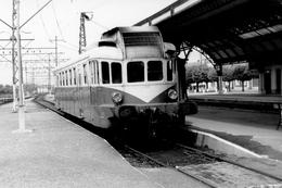 Lannemezan. Autorail Renault VH Série X 2300. Cliché Jacques Bazin. 08-05-1968 - Trains