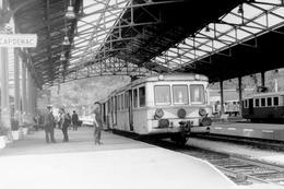 Capdenac. Autorail Série X 5800 à Caisse En Acier Inoxydable à Destination De Cahors. Cliché Jacques Bazin. 06-09-1973 - Trains