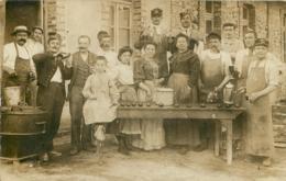 CARTE PHOTO GROUPE DE  PERSONNES - Postcards