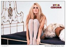 Brigitte Bardot Postcard Collection - Size 15x10 Cm. Aprox. - Actores