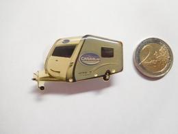 Badge Lumineux ( No Pin's ) , Camping , Marque Caravane Caravelair ( Ne Fonctionne Pas ) - Marques