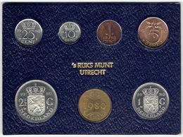The Netherlands 1980, Mint Year Set With Token. - Nederland