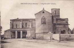 GOURGE (Deux-Sèvres) L'église (12è Siècle) (pompe à Eau Monument Aux Morts Cimetière Boite Aux Lettres) - France