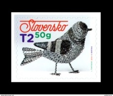 Slovaquie 2019 PAQUES EASTER  ND Auto Adhésif Oiseau En Fer Blanc Ferblanterie Traditionnelle - Slowakije