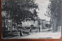 VILLALIER   -        PLACE  DE  LA  POSTE      CIRCULEE  EN  1915 - Other Municipalities