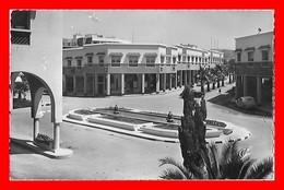 CPSM/pf AGADIR (Maroc)  La Rue Nicolas-Paquet Et La Place De L'Hôtel Marhaba, Traction Citroën...D701 - Agadir