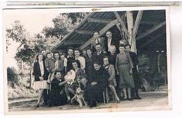A Identifier  Carte Photo  Famille   Devant Hangar  Bapteme   OU ? ID83 - Postcards