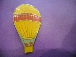 Grand Pin's MONTGOLFIERE Verni @ 35 Mm X 21 Mm - Airships