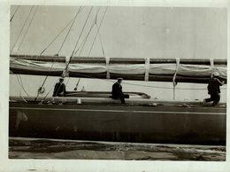 SHAMROCK TRIALS AT PORTSMOUTH SIR TOMAS LIPTON   20*15 CM Fonds Victor FORBIN 1864-1947 - Barcos