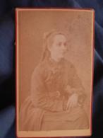 Photo CDV Fatalot à Lyon - Jeune Femme Assise, Tresses, Circa 1875-80 L447A - Fotos