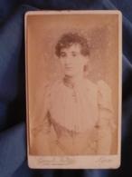 Photo CDV Gaude à Lyon - Jeune Femme, Plastron Dentelle  Circa 1890 L447A - Fotos
