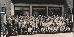 ZELE    -- FOTO 1973   +-  14 X 8 CM  ---  K.F.C. EENDRACHT ZELE GAAT NAAR 3e AFDELING - Zele