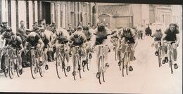 LEISELE  -- FOTO 1973   +- 14 X 7 CM  ---   DEJONCKHEERE IN SPURT - Alveringem
