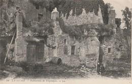 Indre Et Loire : LANGEAIS : Habitations De Troglodytes - Langeais