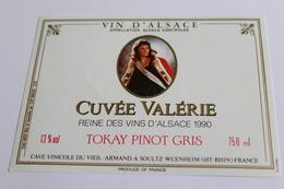 Etiquette De Vin Neuve Jamais Servie  VIN D ALSACE  TOKAY PINOT GRIS CUVEE Valerie  Reine Des Vins D Alsace 1990 - White Wines