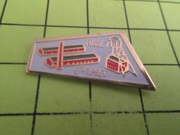 613d Pin's Pins / Beau Et Rare : THEME MARQUES / MINE CARREAU PUITS ETS TIPRET FOSSE 7 Mais Pas Farah ! - Markennamen
